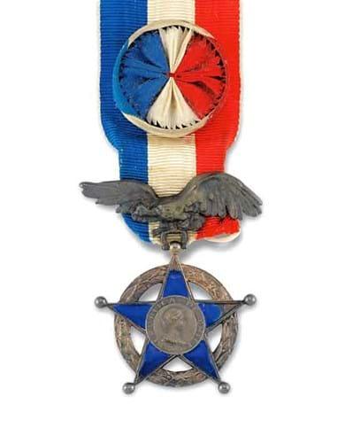 15-10-12-2212NE06A Ernest Shackleton medal auction.jpg