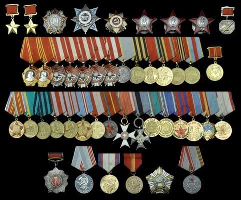 WEB Soviet medals B 19-5-17.jpg
