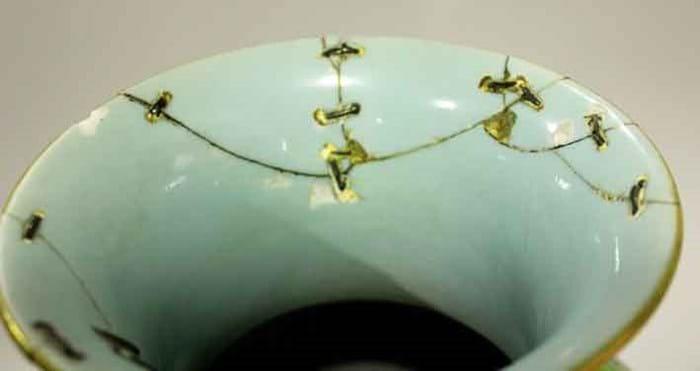 14-12-23-2172NE01B Qianlong vase.jpg