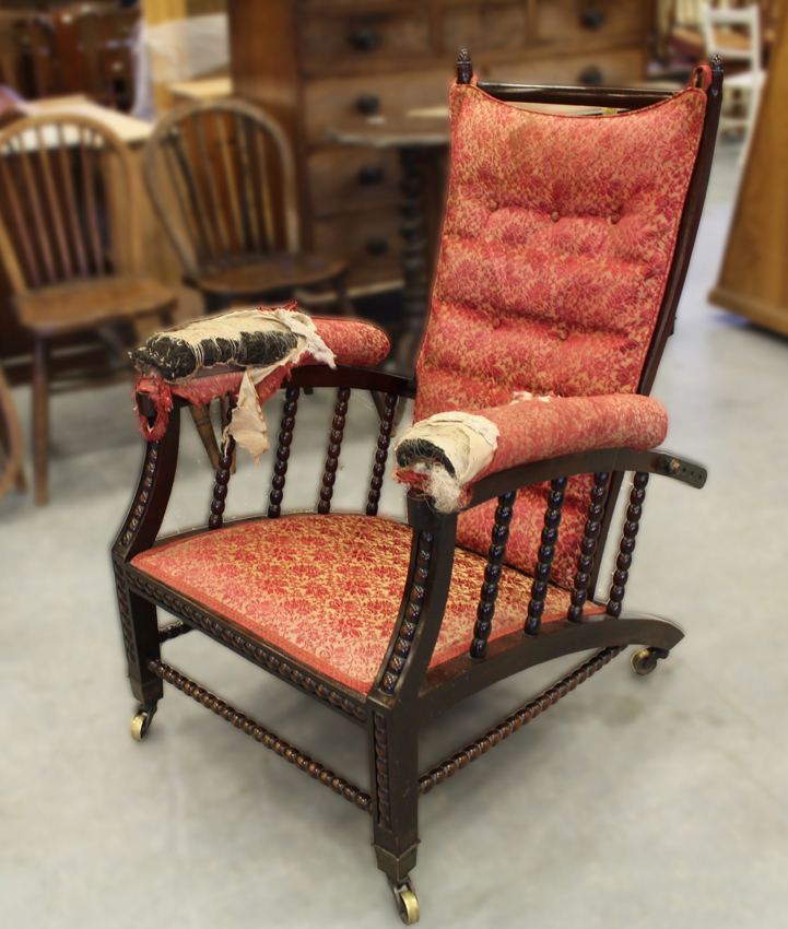 Why reclining Morris armchair proved a £7600 Victorian ...