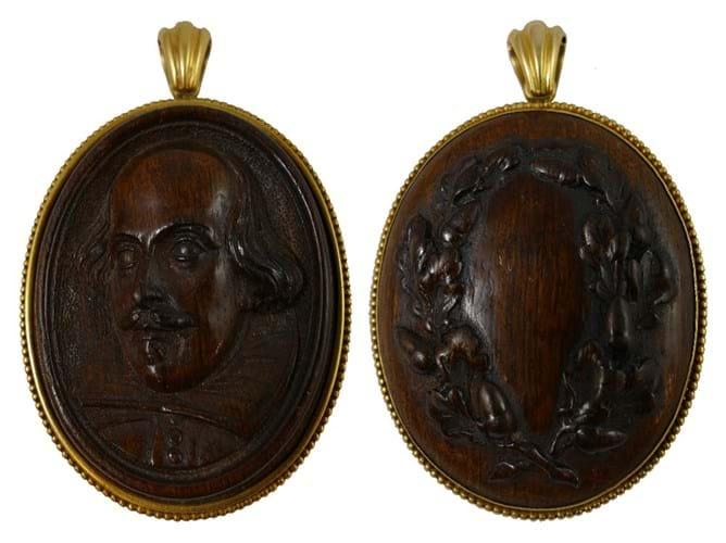 Shakespeare pendant