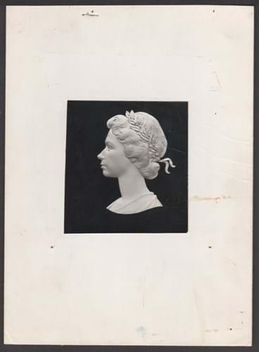Queen Elizabeth head.jpg