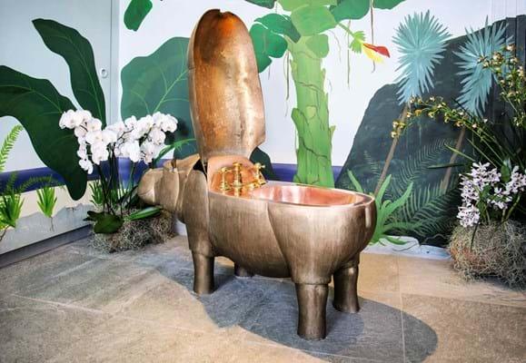 Lalanne, A Life-Size Family of Bronze Hippopatmuses. Sotheby's Paris, Design Sale June 2020 (6).jpg