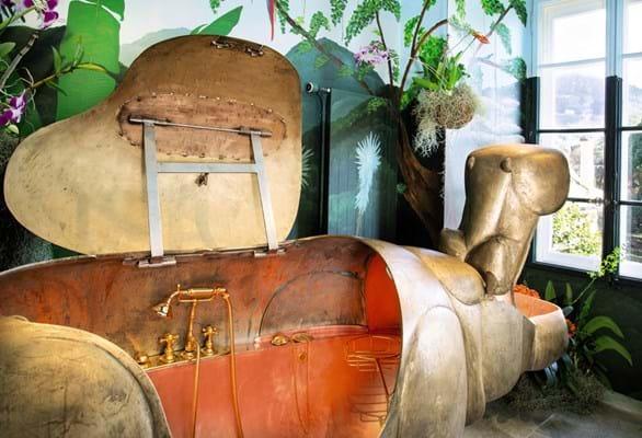 Lalanne, A Life-Size Family of Bronze Hippopatmuses. Sotheby's Paris, Design Sale June 2020, (3).jpg