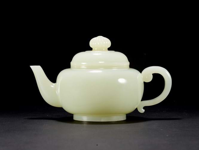Qianlong period Imperial white jade teapot