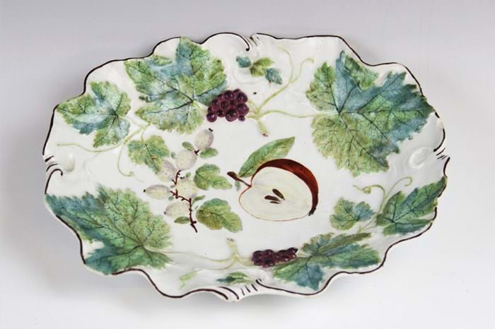 Chelsea Read Anchor period botanical dish