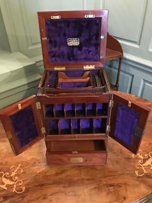Apothecary's box