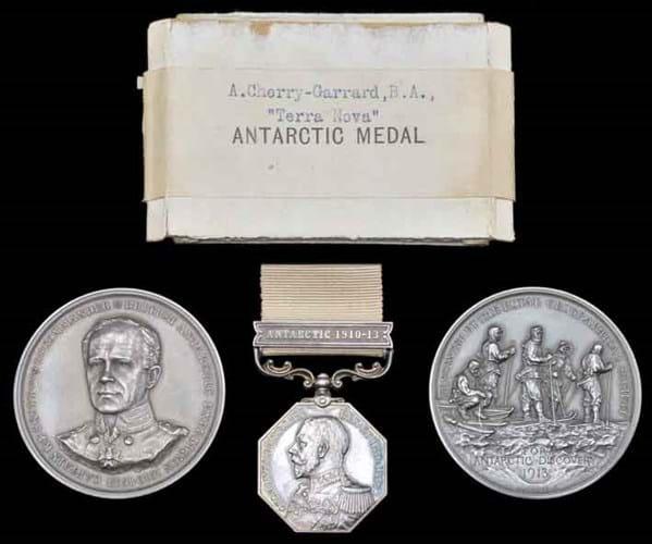 13-07-08-2099NE05A Polar Medal.jpg