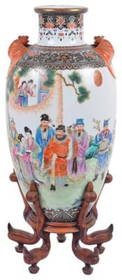 Qianlong Republic period Chinese famille rose and grisaille vase
