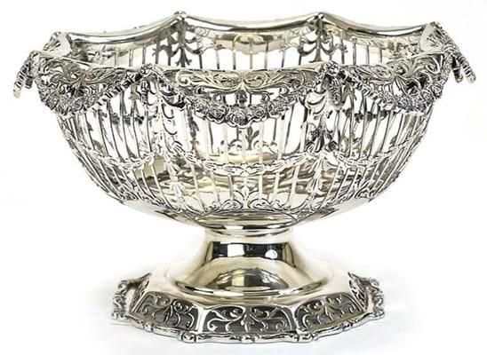 Mappin & Webb pedestal bowl